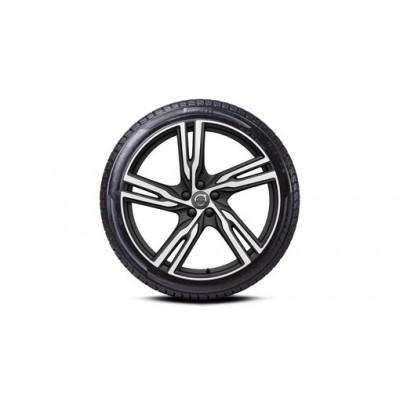 "Complete wielen, winter ""5-dubbelspaaks Matt Black Diamond Cut"" 9 x 22"", Pirelli banden, incl. T8"