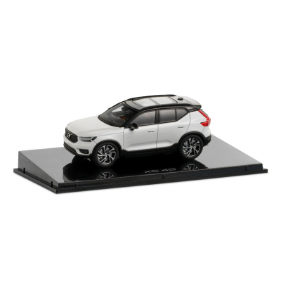 Volvo XC60 1:43 Bursting Blue