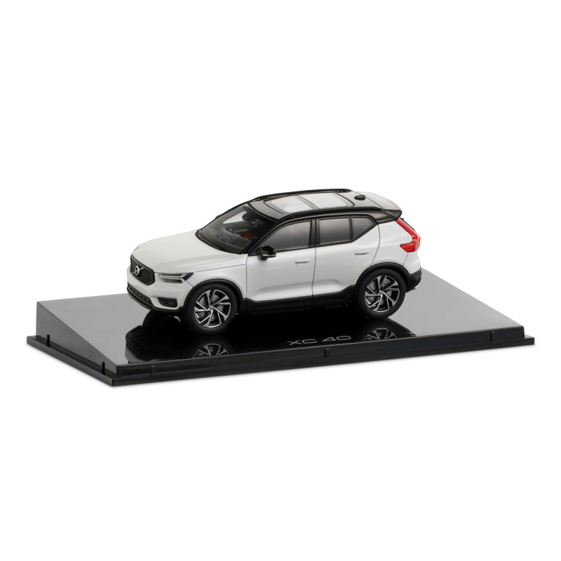 Volvo XC40 1:43 Crystal White Pearl