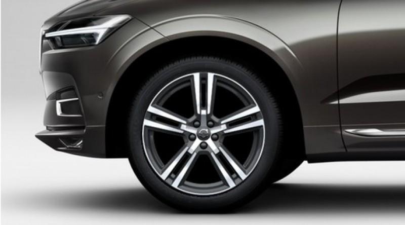 """Complete wielen, zomer """"5-dubbelspaaks Tech Black Diamond Cut"""" 8 x 20"""", Michelin banden"""