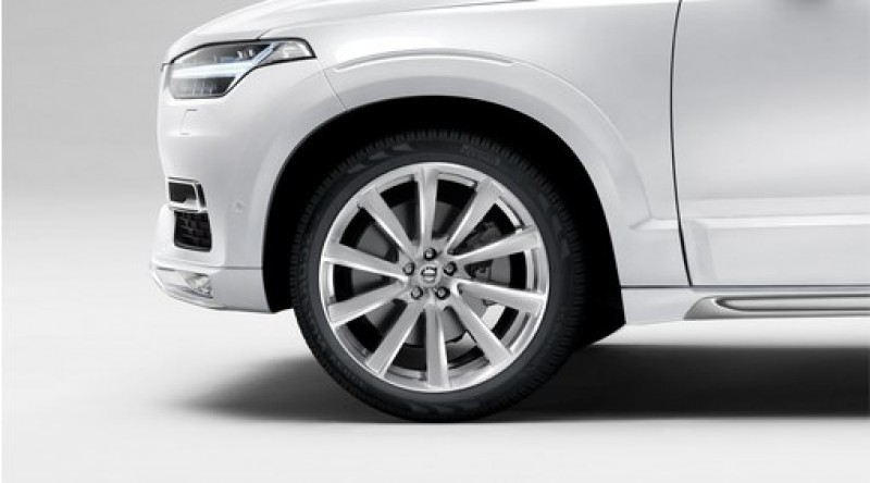 "Complete wielen, zomer ""10-spaaks Turbine Tinted Silver Diamond Cut"" 9 x 21"", Pirelli banden, incl. T8"
