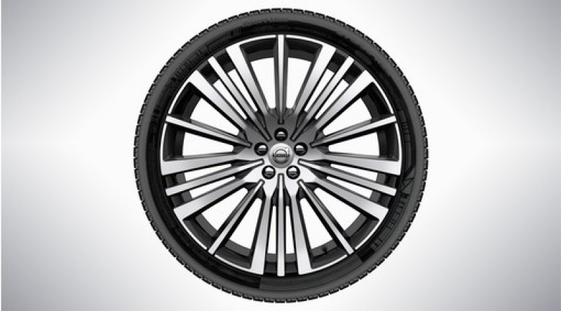 "Complete wielen, zomer ""20-spaaks Black Diamond Cut"" 9 x 22"", Pirelli banden, incl. T8"