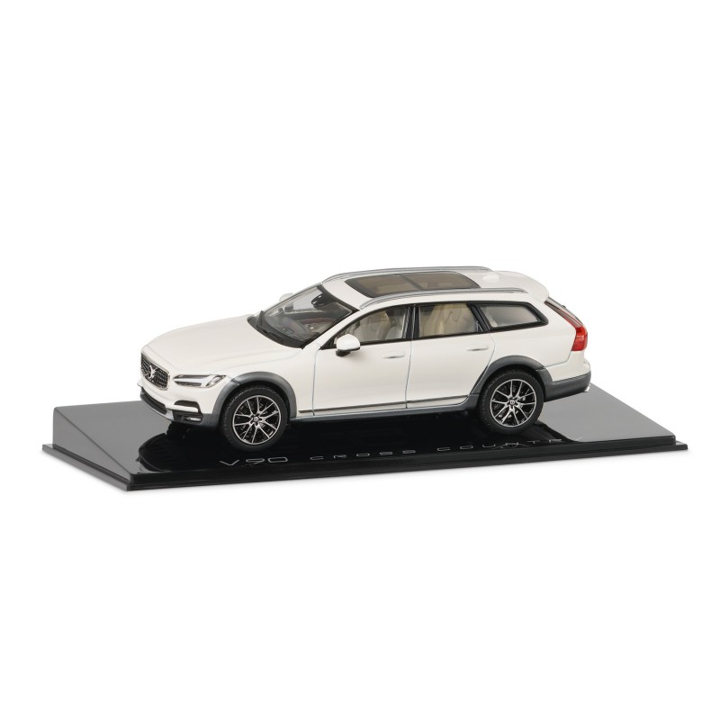 Volvo V90 Cross Country 1:43 Crystal White
