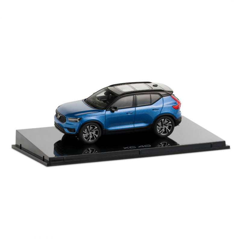 Volvo XC40 1:43 Bursting Blue